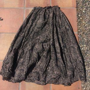 billabong Flowy maxi skirt size small